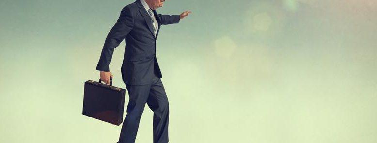 El pre concurso de acreedores es el primer paso a dar dentro del proceso concursal y consiste en comunicar al juzgado de lo mercantil la declaración de concurso de la empresa. En esta declaración se manifiesta la existencia de negociaciones con los acreedores en las que se busca un acuerdo de refinanciación para la deuda de la compañía.