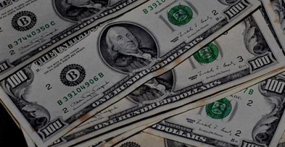 La caída del euro frente al dolar favorece las exportaciones